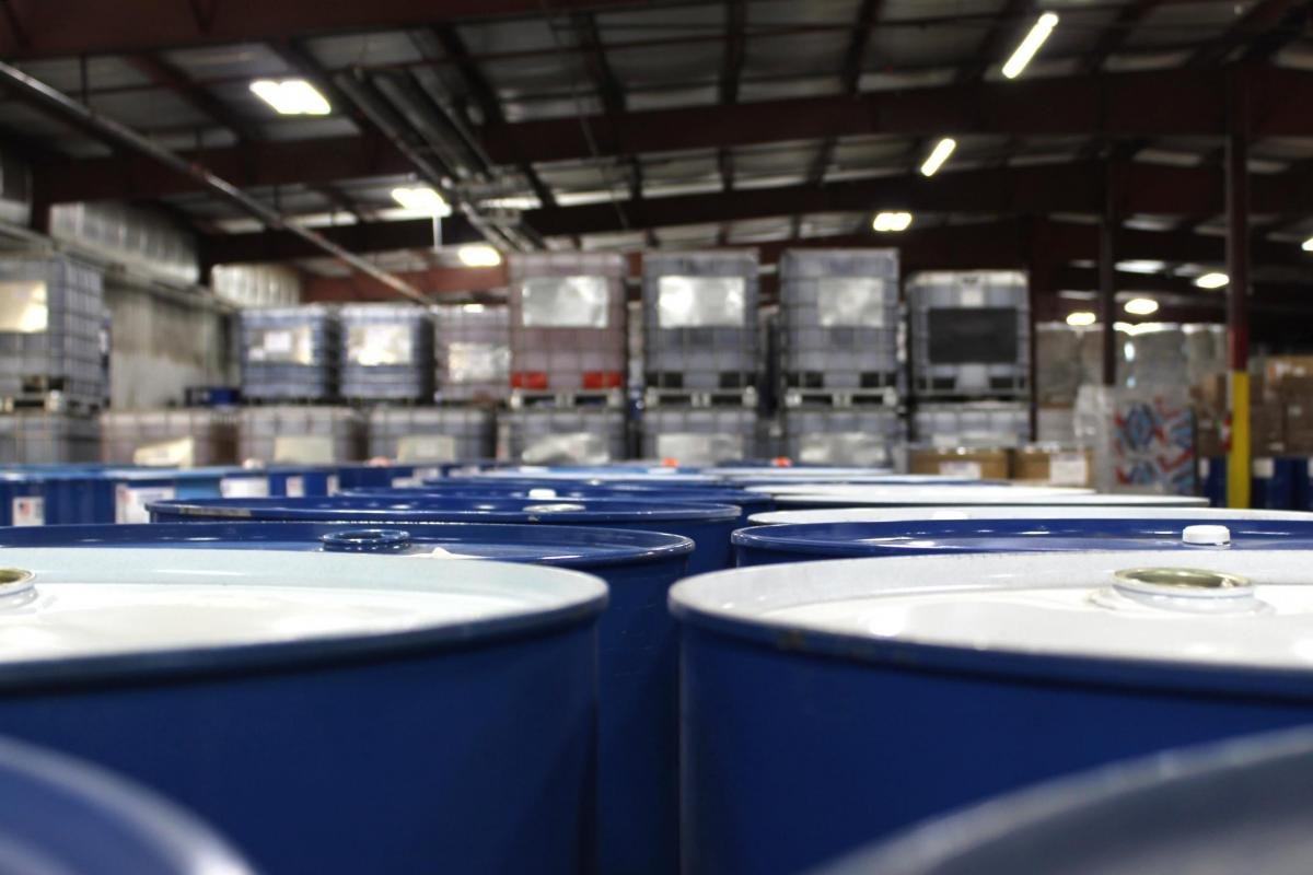 Warehouse storage for chemical totes
